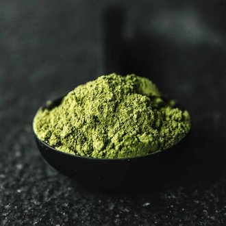 bright green kratom powder